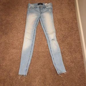 Hollister Light Wash Skinny Jeans - Size 0